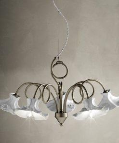 Lampadario serie Lecco C1293/5, realizzata in ceramica bianca lucida con delicata decorazione floreale a rilievo, Ferroluce
